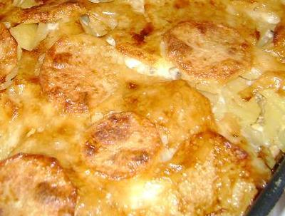 Картофель с луком в духовке