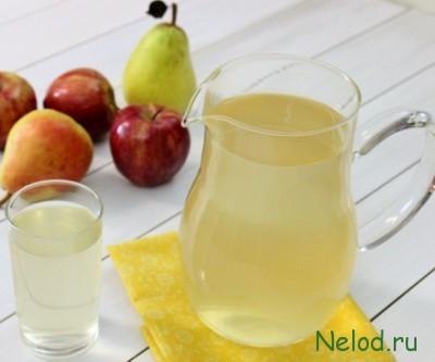 Фруктовый компот из яблок, груш и мандаринов