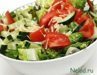 салат из свежих помидоров и огурцов