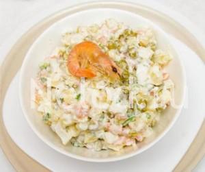"""салат с морепродуктами """"Морской коктейль"""""""